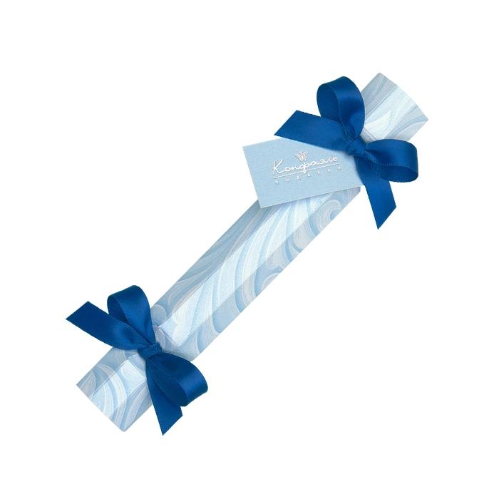 Новогодний подарок в виде голубой конфеты